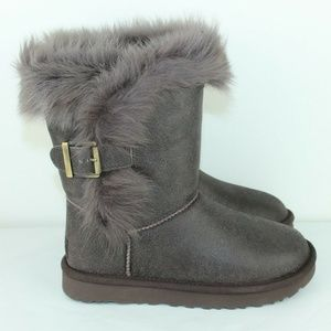 b0b178dba73 Women Fur Trim Ugg Boots on Poshmark